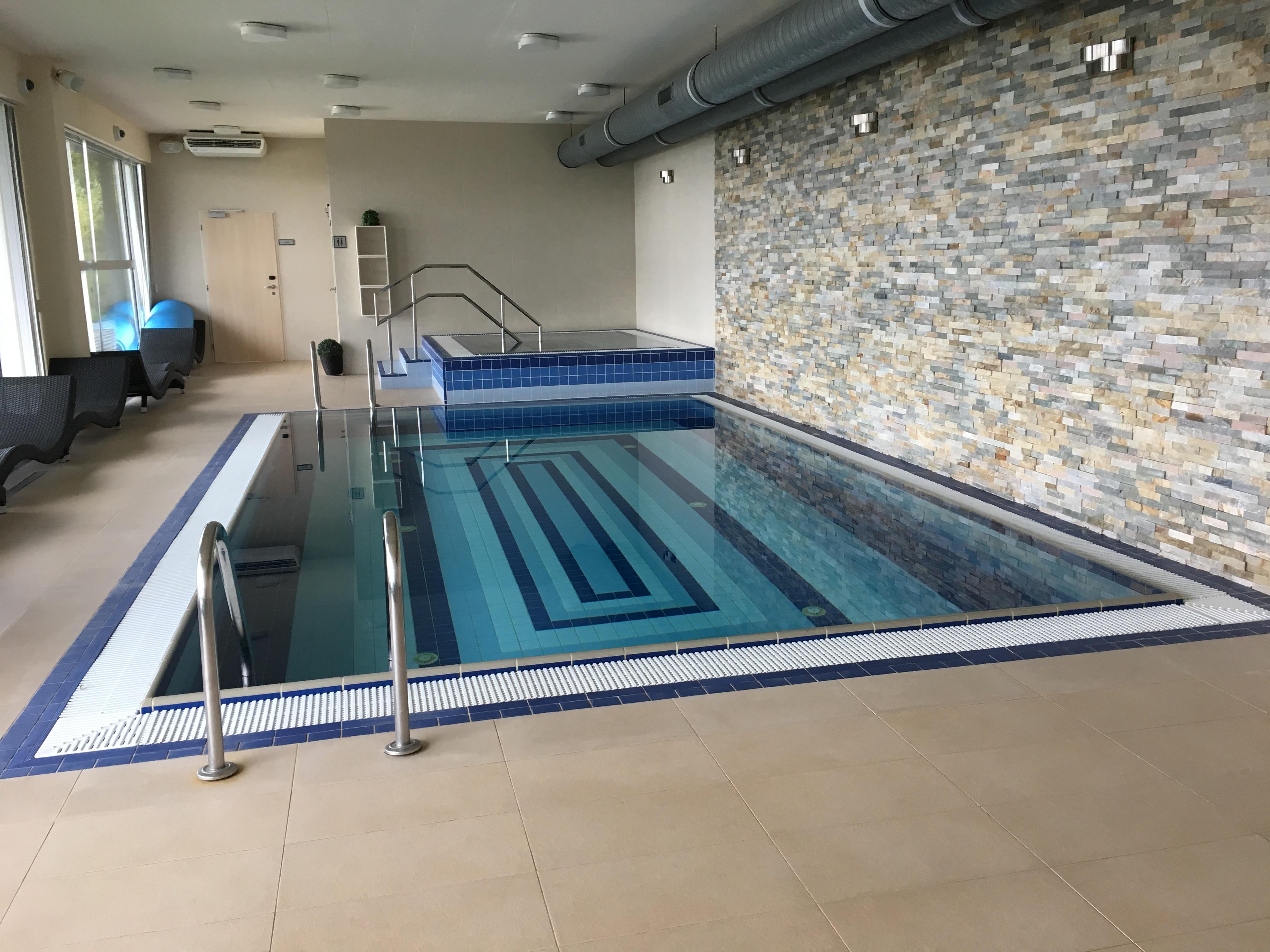 hotel Monínec - bazén a vířivka